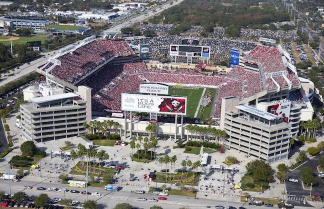 87cf5d42 Tampa Bay Buccaneers Brings Aramark to Raymond James Stadium | VenuesNow